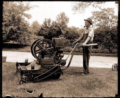 Lawnmower 1918.jpeg